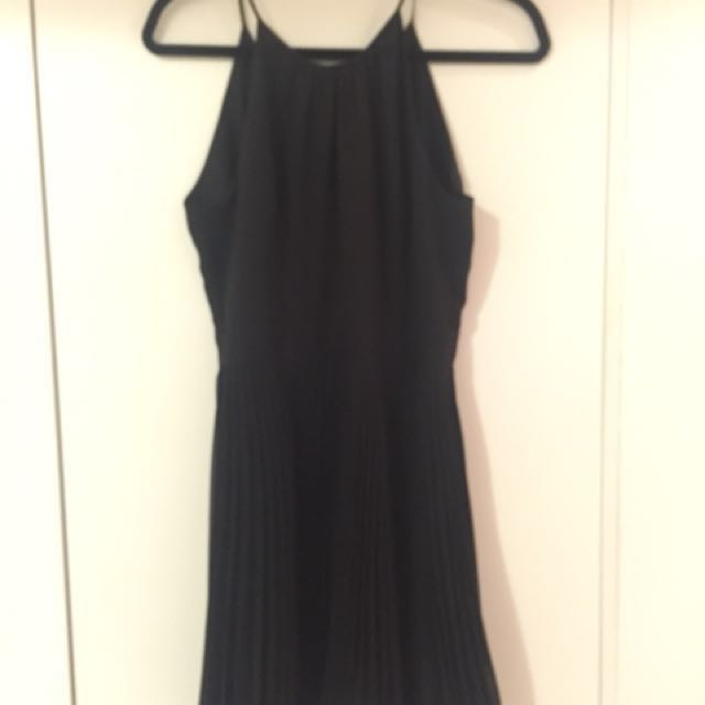 Ever new black pleated dress