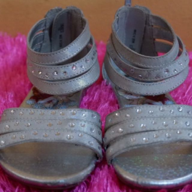 Frozen zip up sandals for girls
