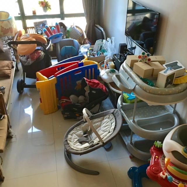 Garage sale baby stuff Bgc area