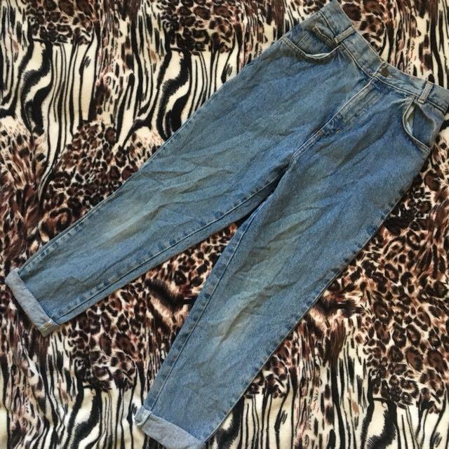 High Sierra Highwaist Mom Jeans / Boyfriend Jeans