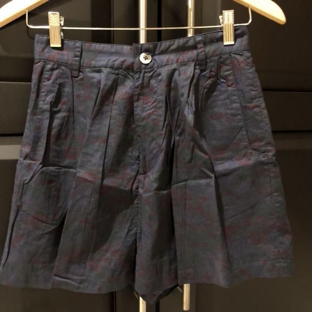High waist short pants size S