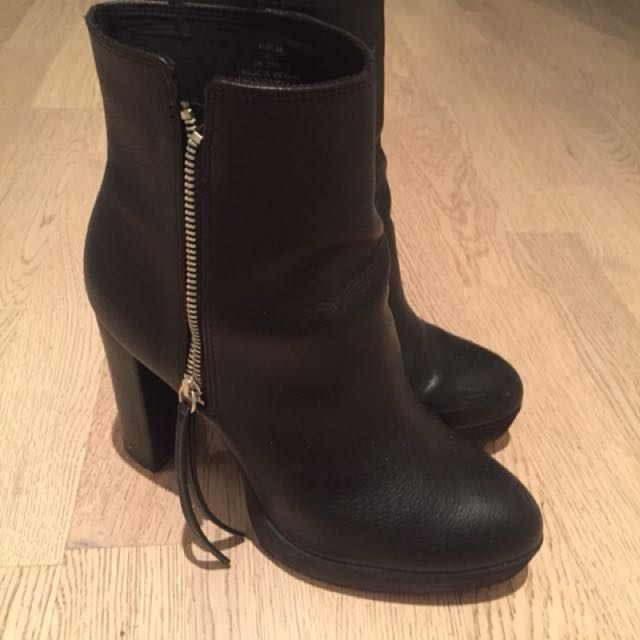 H&M black heeled boots