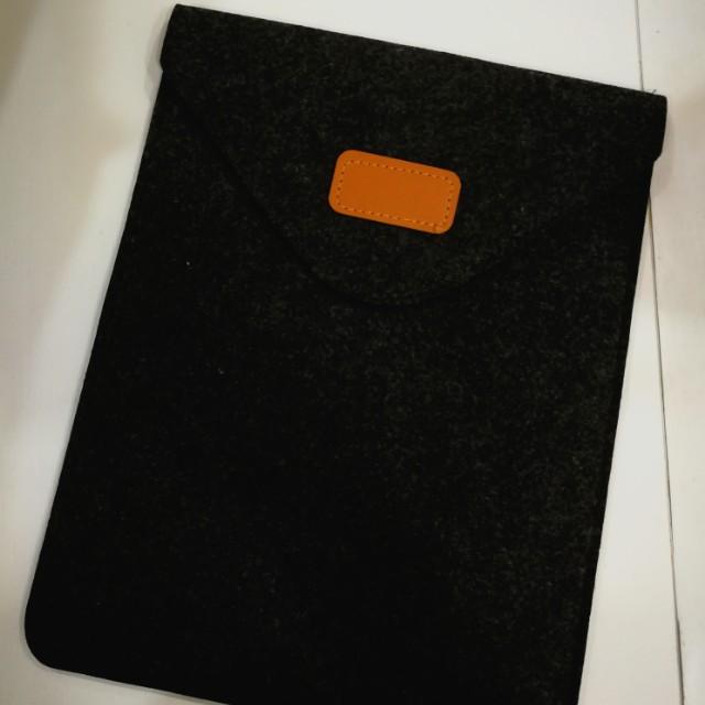IPad / tablet felt sleeve slipcase