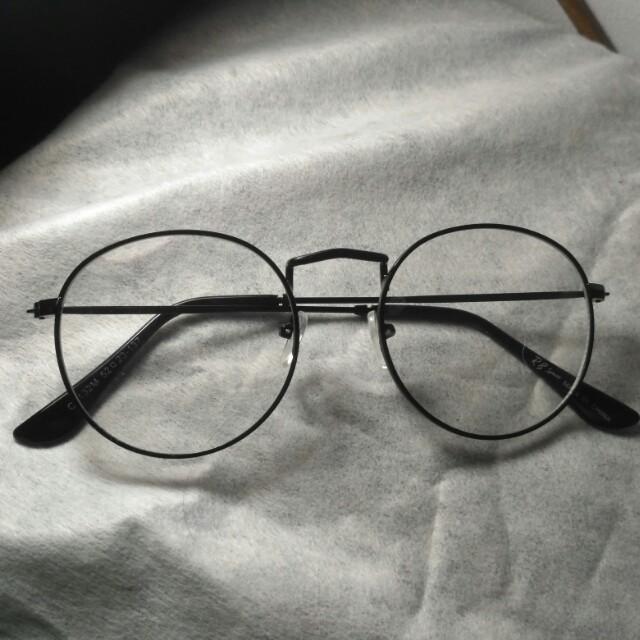 Kacamata Oval