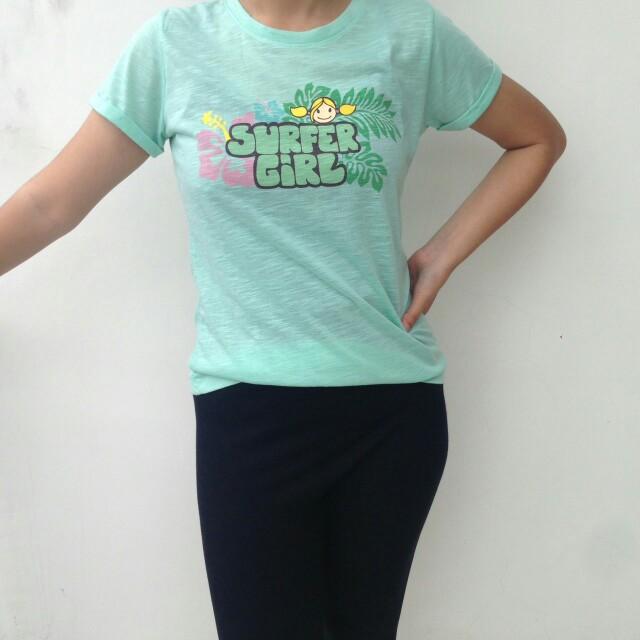 Kaos surfer girl hijau