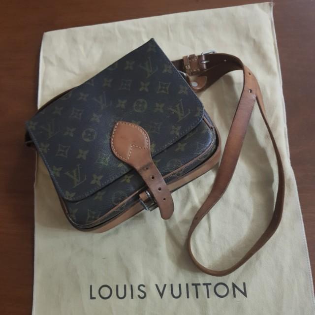 Louis Vuitton Cartouchiere