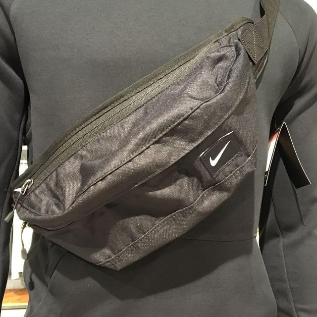 Nike腰包