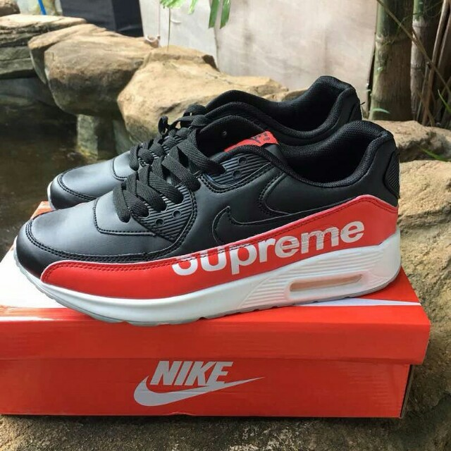 outlet store 2e1ad cfd99 Nike Air Max Supreme