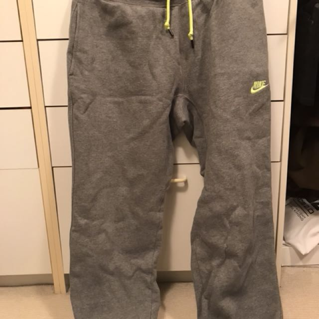 Nike Grey sweatpants size Large
