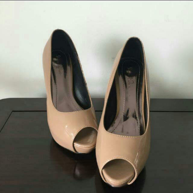 Nine west high heels nude