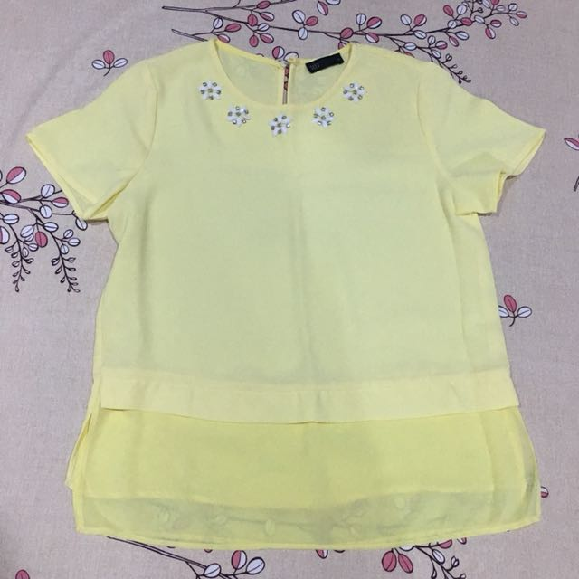 Pastel yellow tops/ blouse