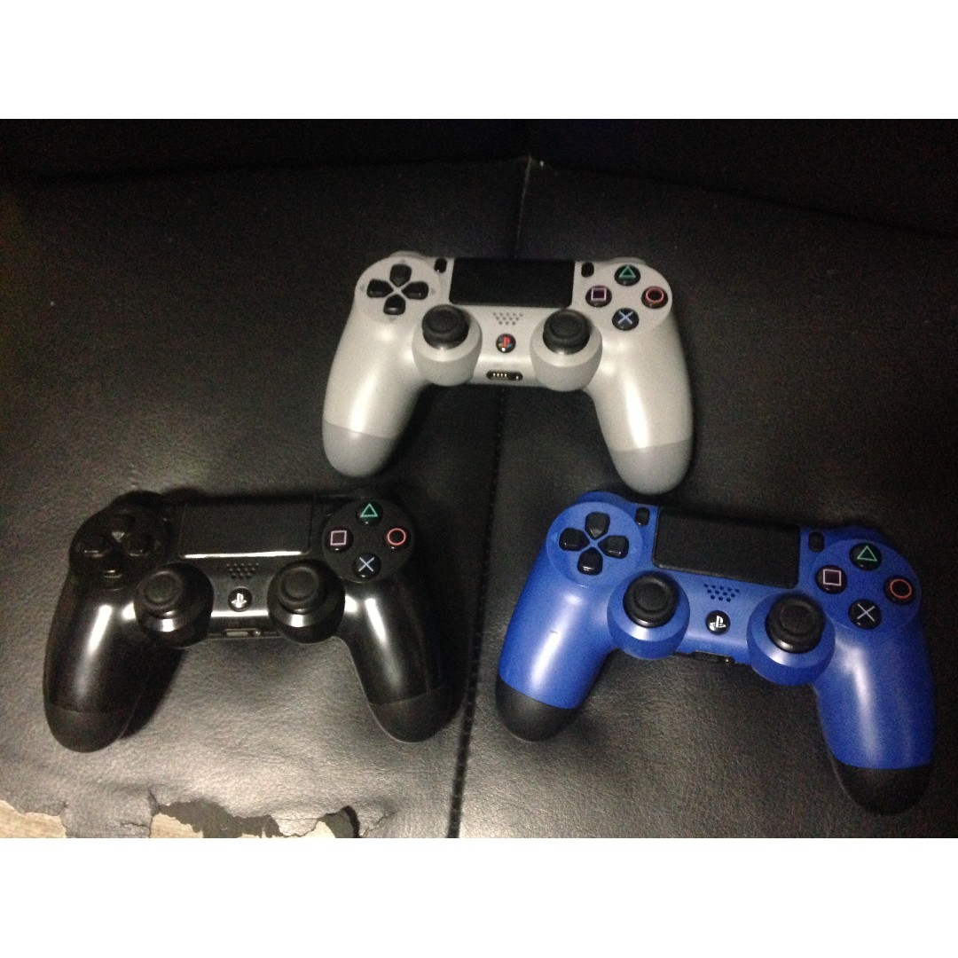 Playstation 4 (PS4) Controllers - All v1 20th anniv, blue and black.