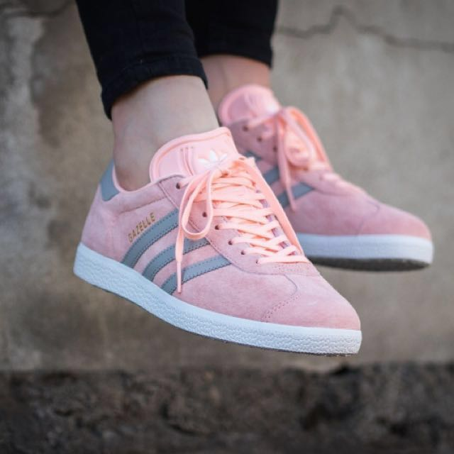 buy popular 35b80 26006 PRICE REDUCED Adidas Originals Gazelle Coral Pink, Womens Fa