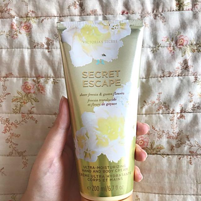 Secret escape body and hand cream