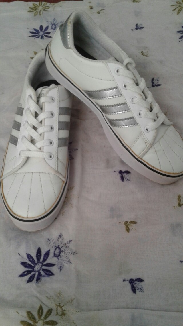 Sepatu Adisas Kw
