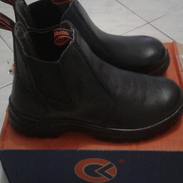 Sepatu Kent
