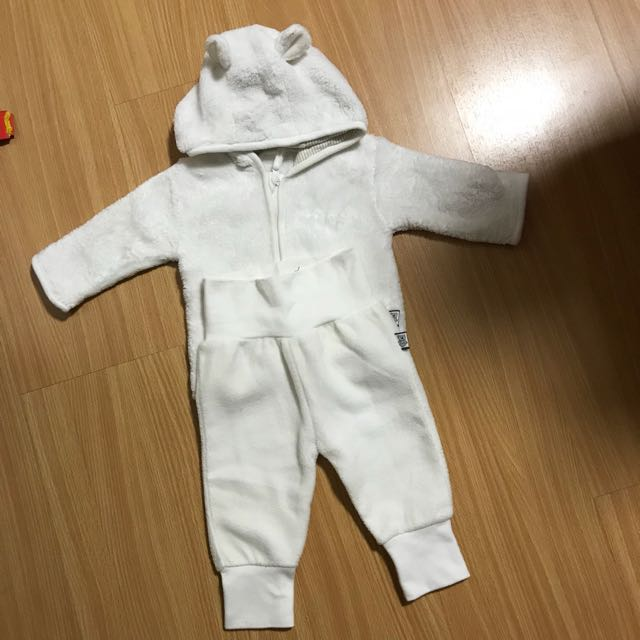 sweater & pants 2-4 months