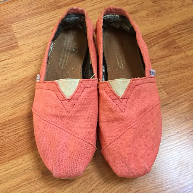 Tom's Canvas Women Shoes Size 6