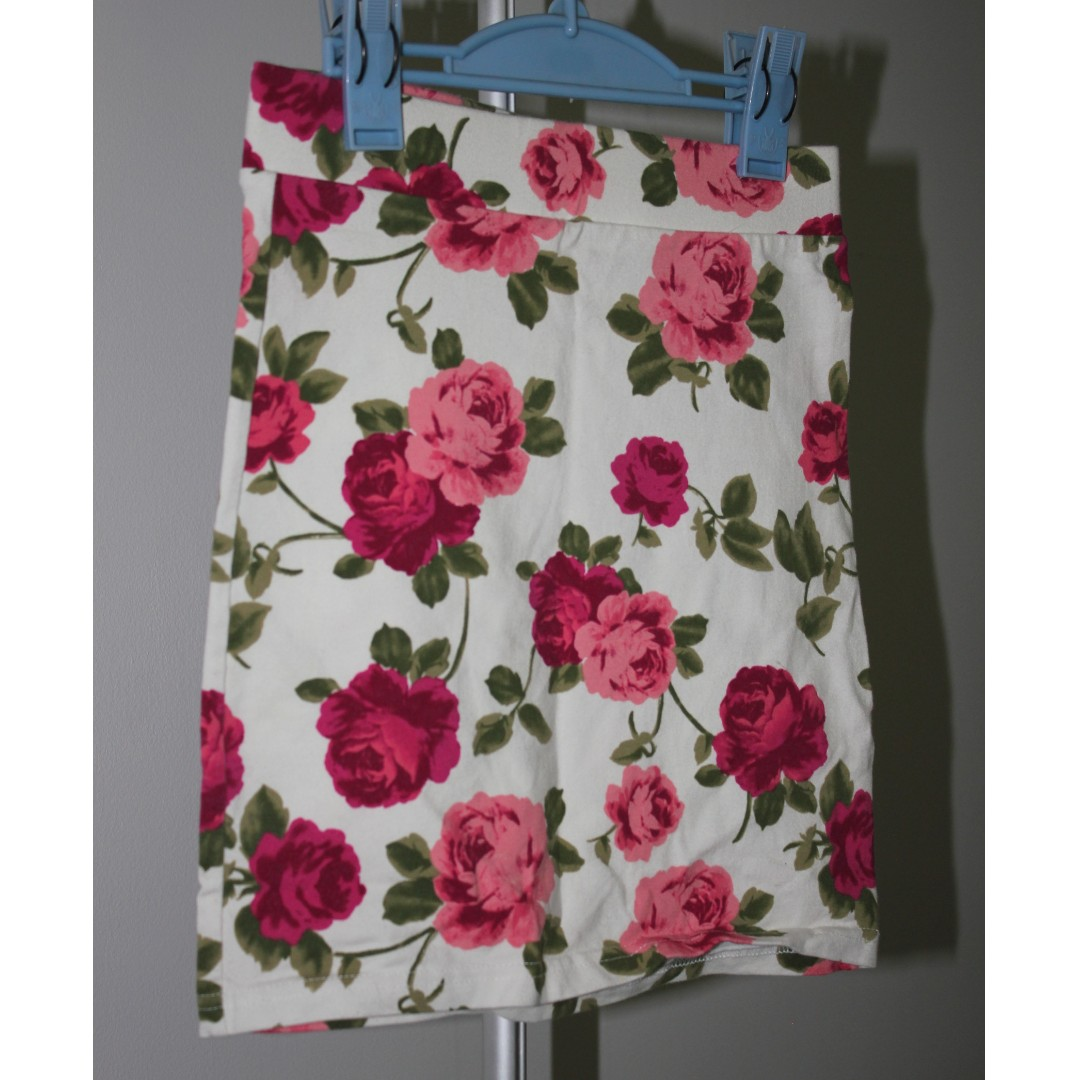 White Skirt with Pink Roses - Forever 21 Size XS