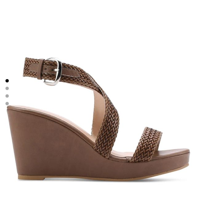 Zalora cross strap weaved wedges heels