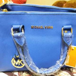 Grade AAA, Michael Kors Jet Set (Blue) For Grab. Only Last Piece.