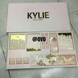 Kylie Jenner VACATION Make Up Set