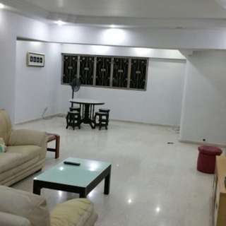 Blk 307 Jurong East st 32 HDB for sale