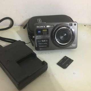 Sony cyber-shot 13.6MP