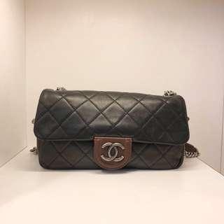 正品 95%新 Chanel 26cm 小牛皮併色鍊袋