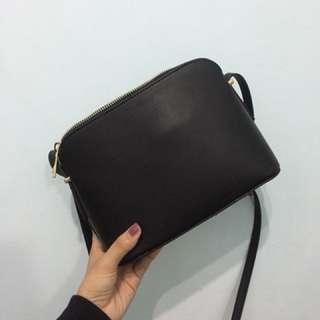 NET 黑色簡約側背包