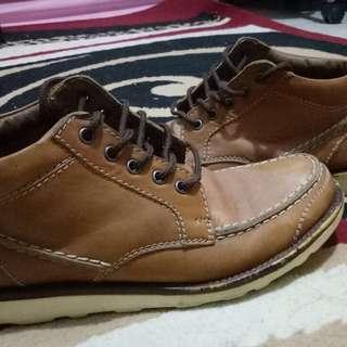 Sepatu Boots Donatello