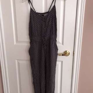 Forever 21 jumpsuit size small