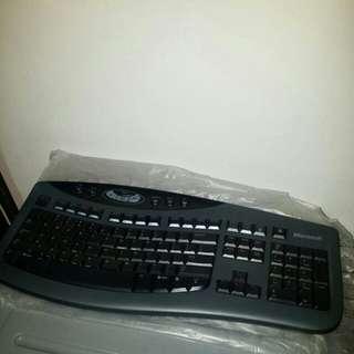 (No dongle)Microsoft Wireless Keyboard 3000 ($2)