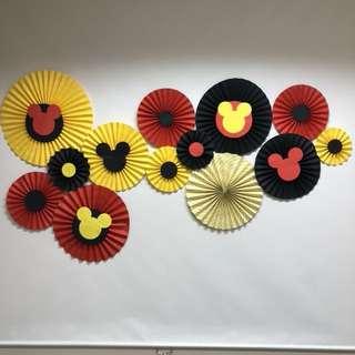 Paper rosettes Fans wheels