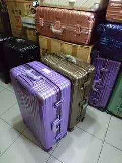 豪華鋁框行李箱29吋原價3200