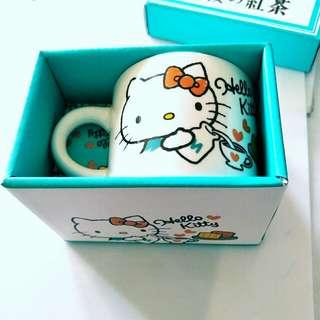 """KIRIN 限量 Hello Kitty """"午後紅茶""""馬克杯"""