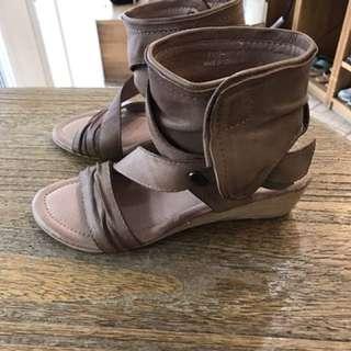真皮專櫃鞋~全新