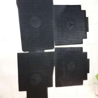 mercedes rubber mat  Brand new