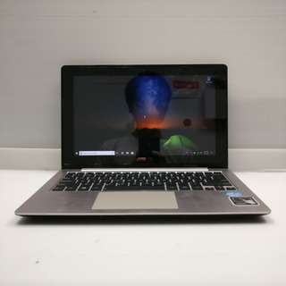 [i3 4GB Touch] ASUS VivoBook X202E i3-2365M 4GB Ram 500GB HDD (With Charger/USB mouse/Case)