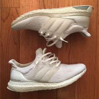 Triple white ultra boost 3.0