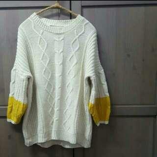 🚚 米色麻花針織毛衣