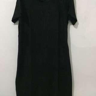 Midi Dress Hitam Beludru