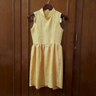 Yellow hardware dress