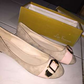 Less femmes Pink flat shoes