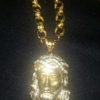 9ct Gold jesus pendant for chain