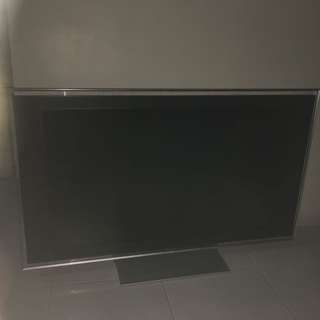 Sony 46 inch LCD tv with wall mount