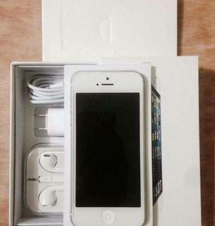 Rush iPhone 5 16gb, 32gb White/Black Factory Unlock Openline