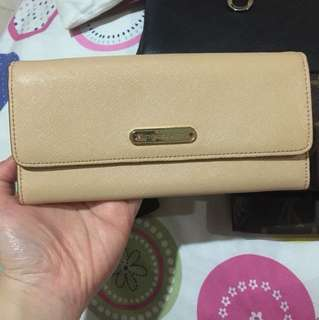 VS nude wallet