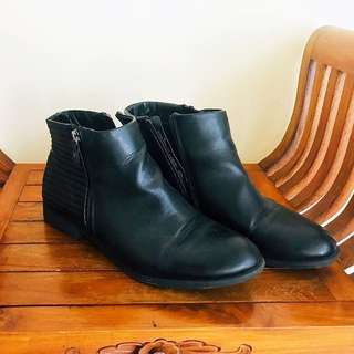 Winter Black Boots for Women ( Size 42 )