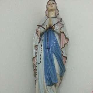 Bunda Maria besar *